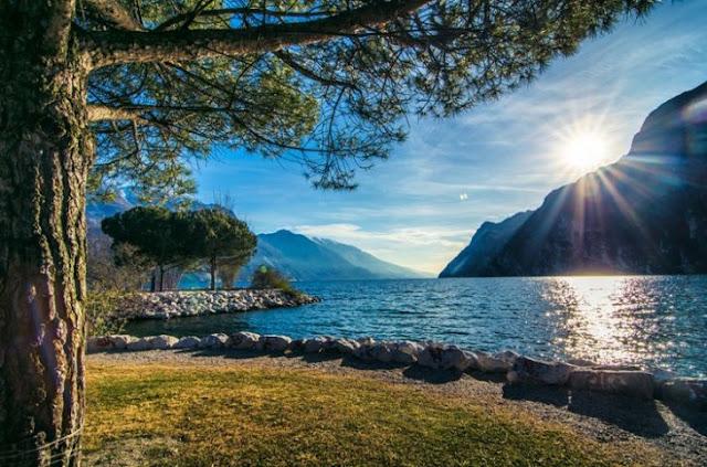Foto de paisaje increíble un Lago