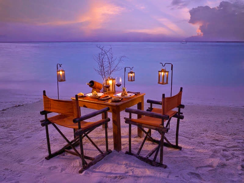 Dinner by candlelight never looked this good. - This Secret Paradise Can Be Only Accessed By A Boat… And WOW Is It Worth It!