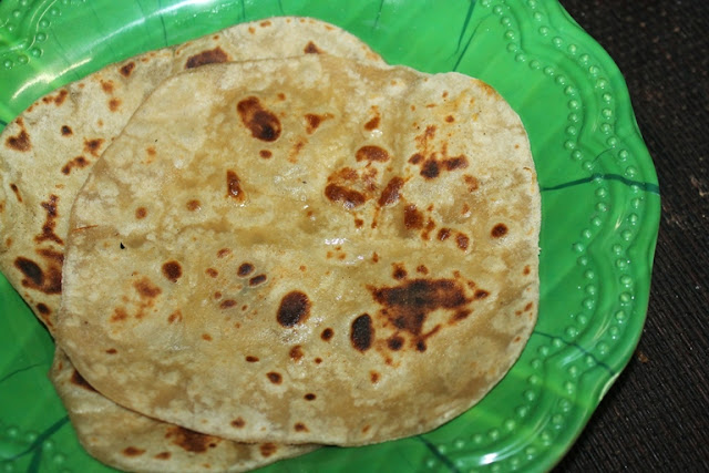Soft Banana Chapati Recipe - Banana Roti Recipe - How to Make Soft Chapatis