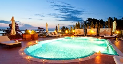 Focos de led para piscinas for Foco led piscina