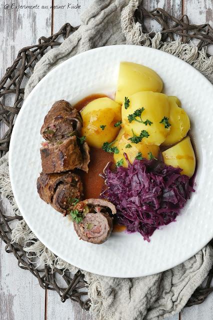 Klassische Rouladen mit Rotkohl | Rezept | Essen | Kochen | Hausmannskost