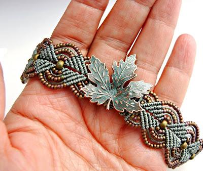 Turquoise leaf micro macrame bracelet.
