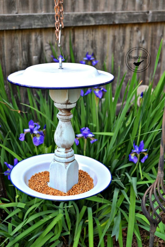 DIY Garden Bird Feeders www.homeroad.net