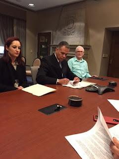 Antonio Alba Meraz meeting with Consulate of Mexico Gerardo Guerrero Gomez signing agreement.