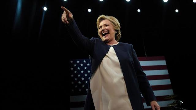 """Latinos necesitados"": Asesores de Clinton se burlan de hispanos"