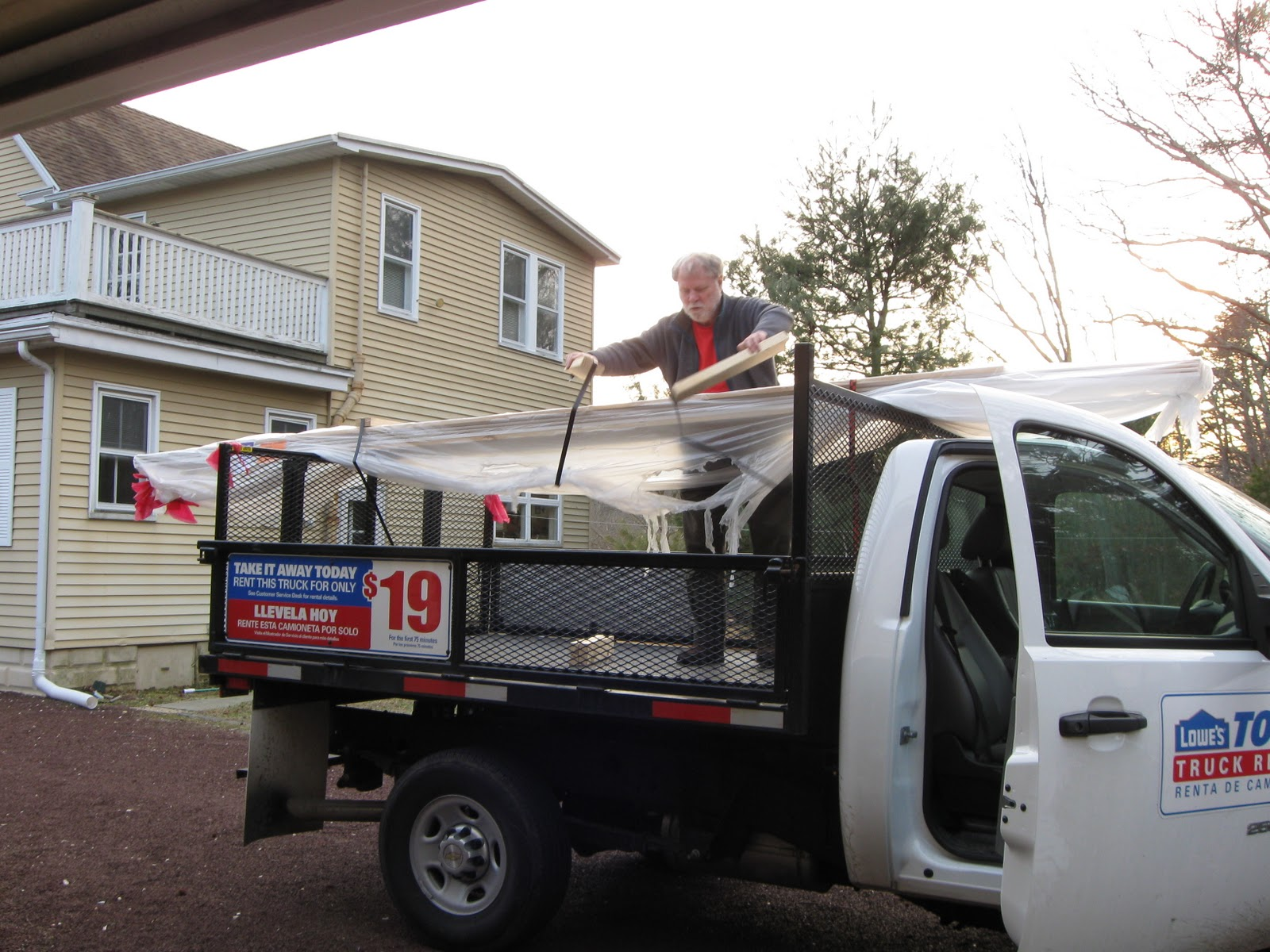 Lowes flatbed truck rental