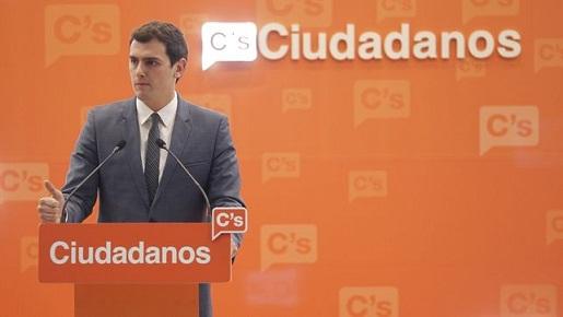 Ciudadanos afronta sus primarias con una campaña contra Pedro Sánchez y normalizando a Vox
