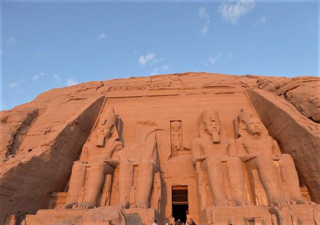 abu simbel grande tempio