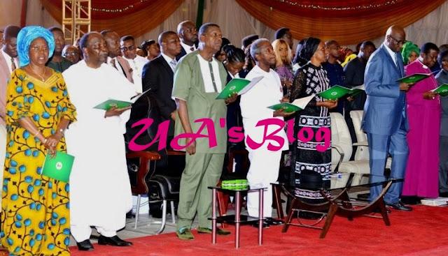 Photos..Osinbajo, Gowon, Adeboye 'Sing' At 2018 Presidential Christmas Carol
