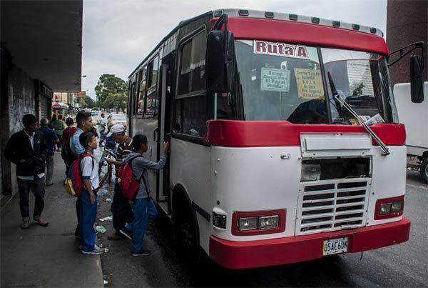 Nuevo aumento del pasaje urbano en Caracas