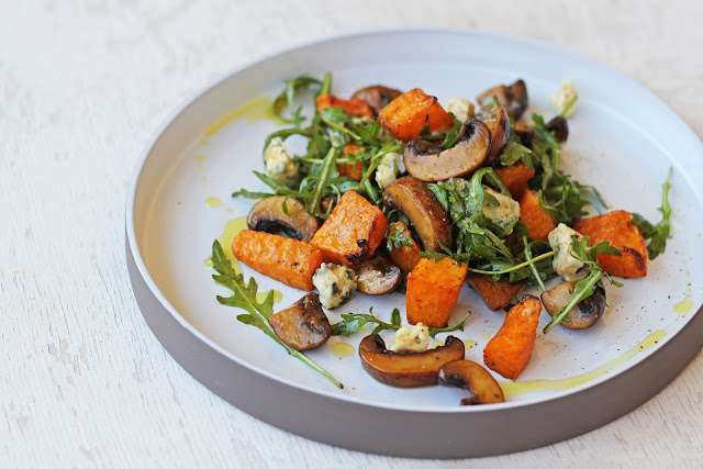 Συνταγή για Ζεστή Σαλάτα με Κολοκύθα και Μανιτάρια