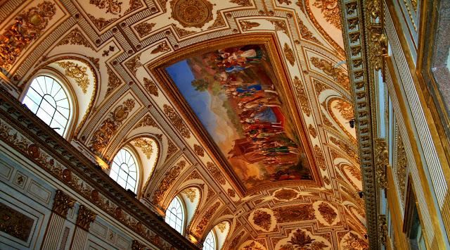 affreschi, finestre, pitture, disegni, decorazioni dorate