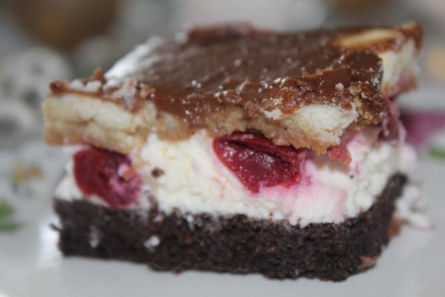 Ciasto z makiem i wiśniami