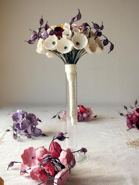 eco bouquet e bracciali segnaposto con fiori di carta matrimonio Green
