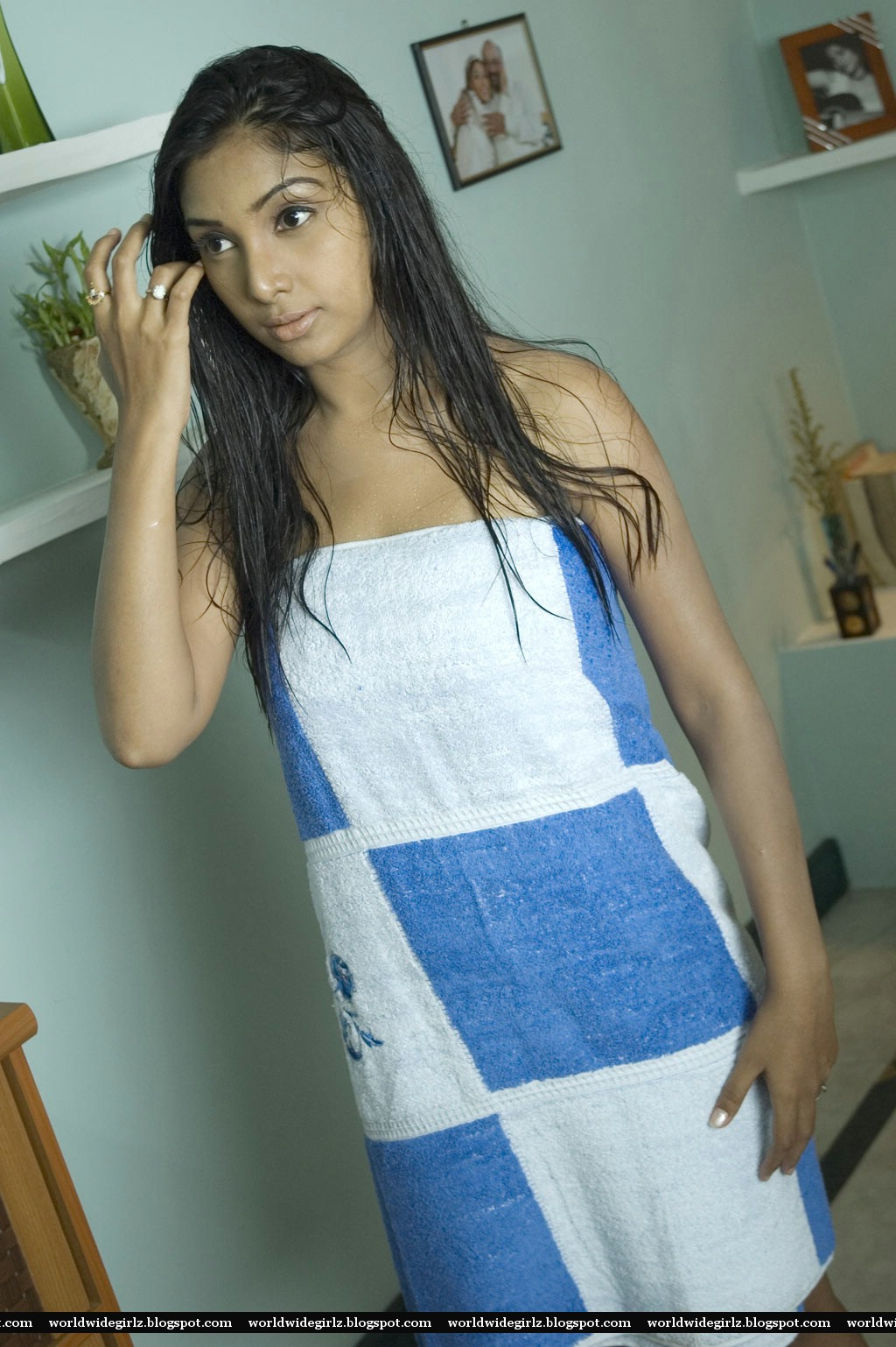 Hot Girl Midhuna In Bath Towel Spicy Pictures-8610
