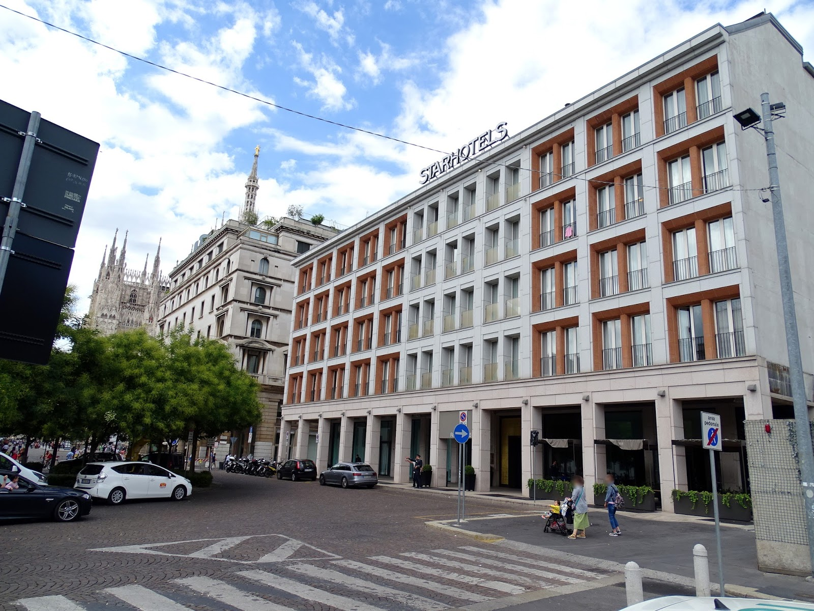 With Finding A Hotel Near Duomo Di Milano My No 1 Priority I Narrowed Down Search To Handful Of Hotels Before Finally Deciding On Starhotel Rosa