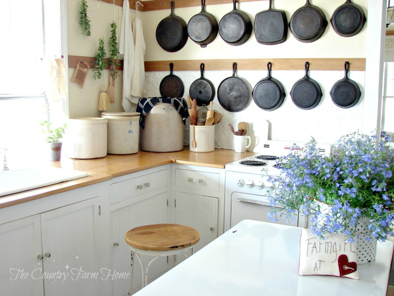 The Country Farm Home: BEFORE AND AFTER SERIES: The Farmhouse Kitchen