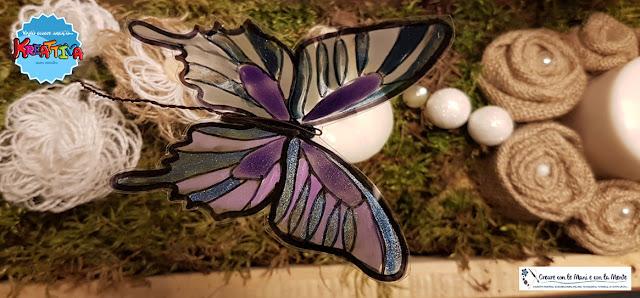 farfalla fai da te con bottiglie di plastica