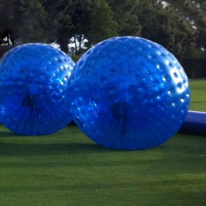 "<a href=""https://www.inflatable-zone.com/"">Zorbing</a>"