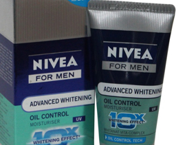 Nivea Advanced Whitening Oil Control 10 in 1 Face Wash for Men (Price Rs 90)