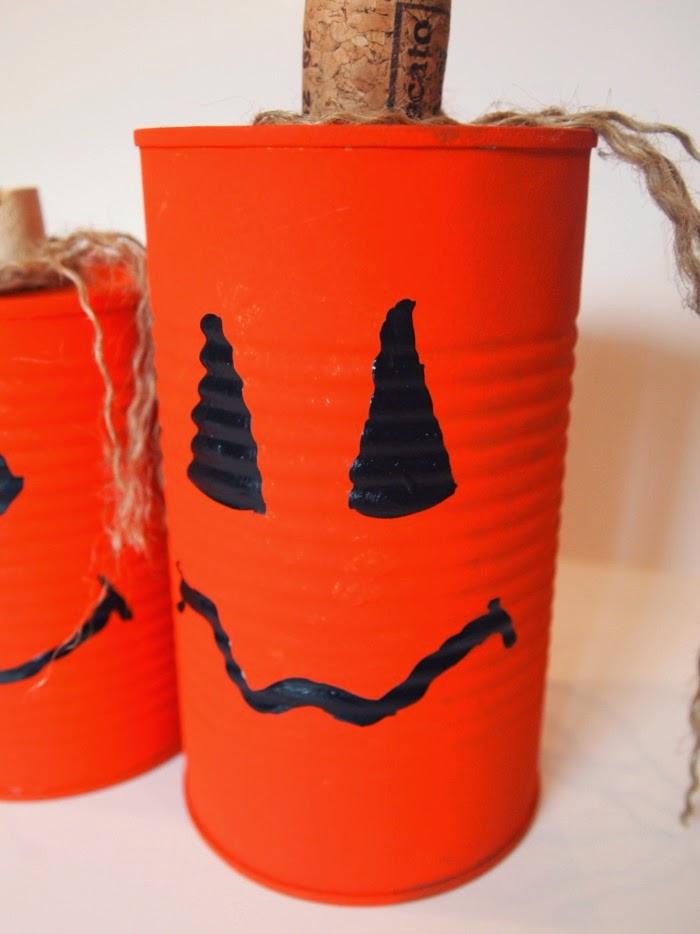 Tin Can Jack-o-Lanterns #Halloweencraft #kidscraft #recyclingcraft