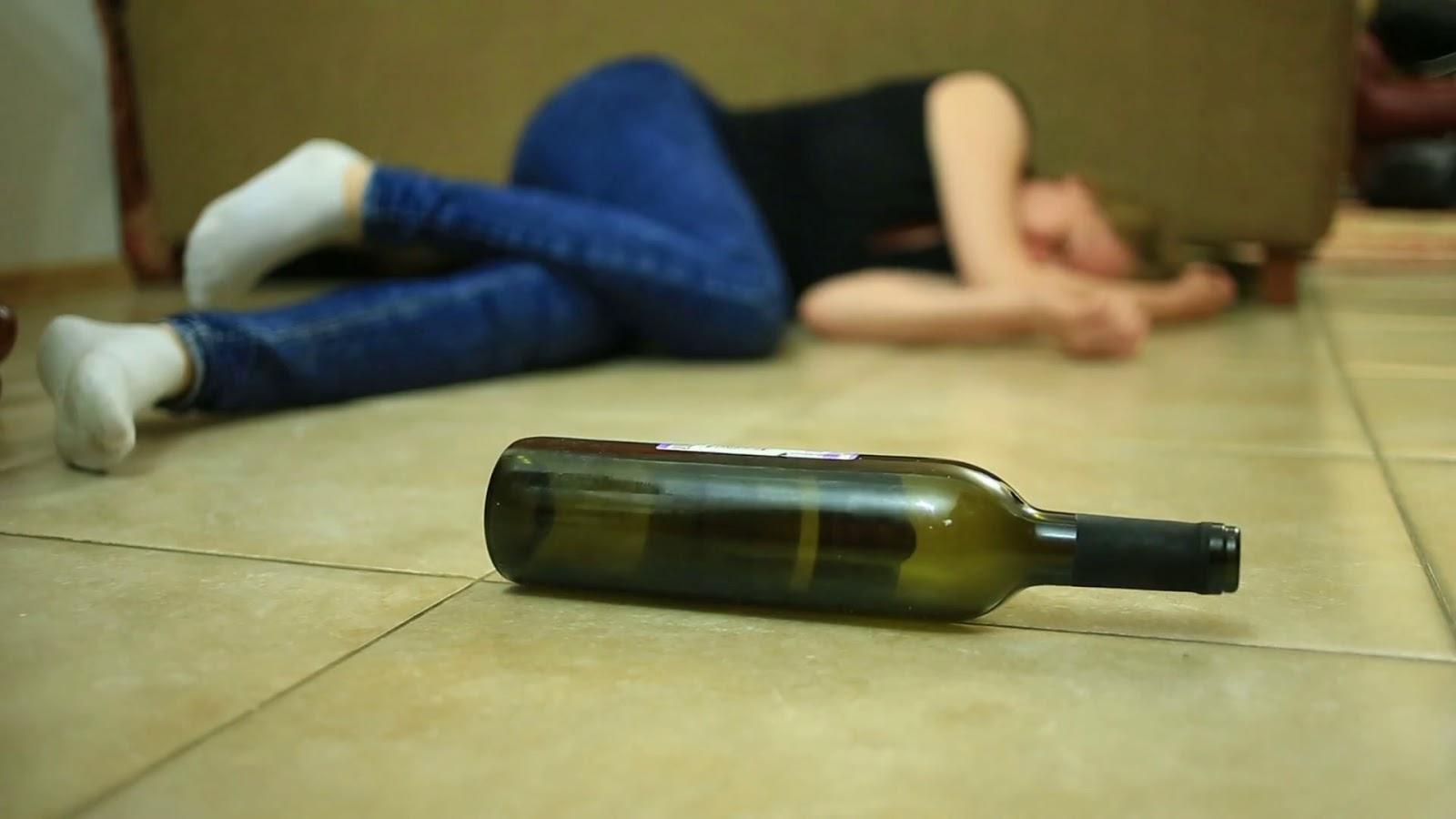 Разрыв анала бутылка, Разорвал анал в клочья, так жестко ебал в жопу 11 фотография