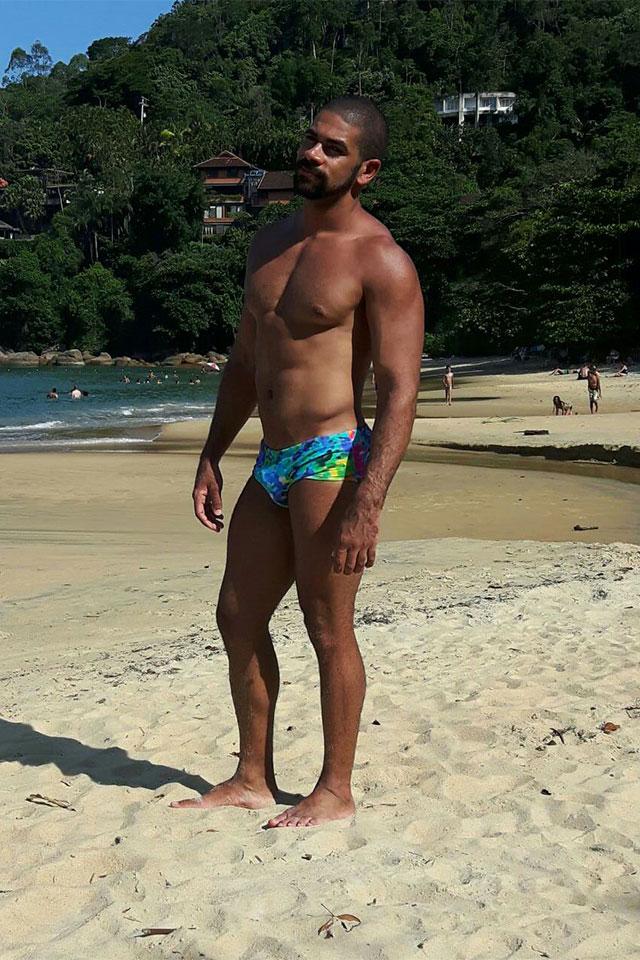 Eryck Ferrasso na Praia Vermelha do Sul, em Ubatuba. Foto: Arquivo pessoal