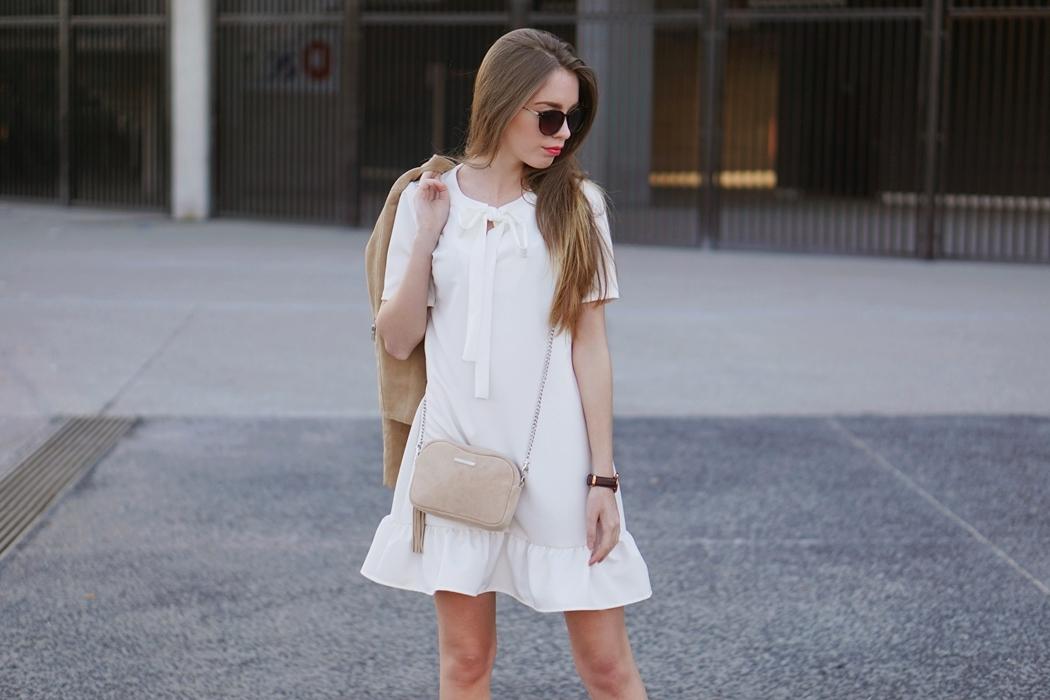 Trendy 2016 - Sukienka z falbanką