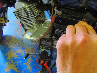 How to test the battery and if its charging on a motorcycle