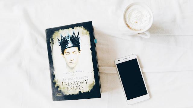 """Trylogia władzy ,, Fałszywy książę""""- Jennifer A. Nielsen"""