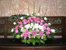Contoh Gambar 1 Bunga Hiasan Meja Ruang Tamu