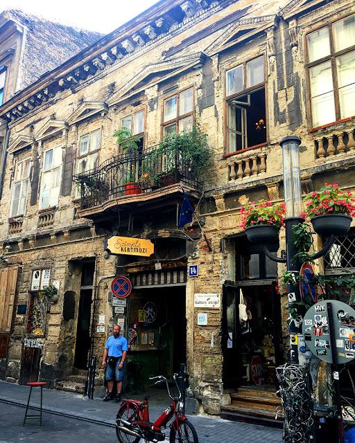 Co zobaczyć w Budapeszcie - ruin pubs
