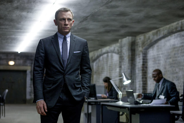 """Daniel Craig passa por cirurgia após sofrer lesão nas filmagens de """"Bond 25"""""""