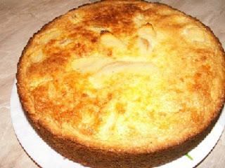 Яблочно-грушевый пирог на твороге