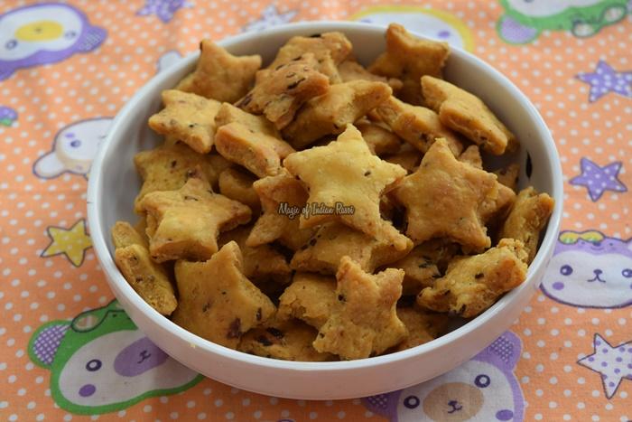 Achari-Mathri-Recipe-Khasta-Flavored-Mathi-Dry-Snacks-Magic-of-Indian-Rasoi-Priya R