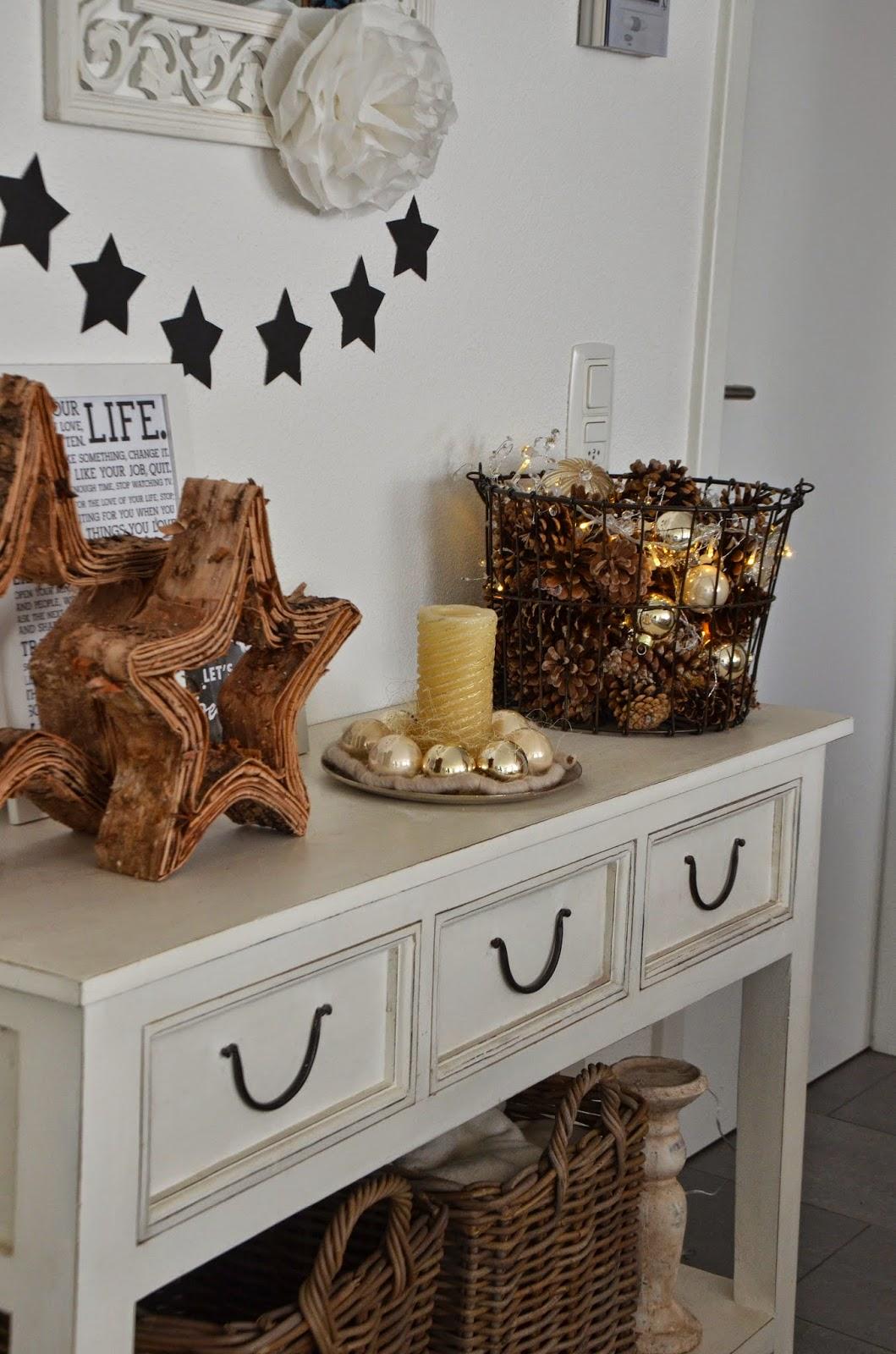 beautiful moments weihnachtsdeko mit tannenzapfen und holzsternen. Black Bedroom Furniture Sets. Home Design Ideas