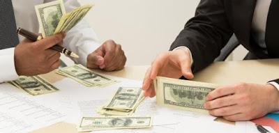 مطلوب مدير مالي ومحاسب للعمل لدى احدى الشركات القطرية