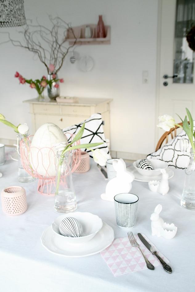 Dekoideen Ostertisch, Deko-Donnerstag mit Verlosung zum Thema Ostertisch, Frühstücksset, weiß rosa