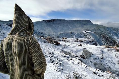 الجهوية 24 - الولاة والعمال في مواجهة البرد بعموم أرجاء المملكة