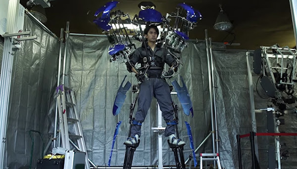 This exoskeleton is developed by a company called Skeletonics.