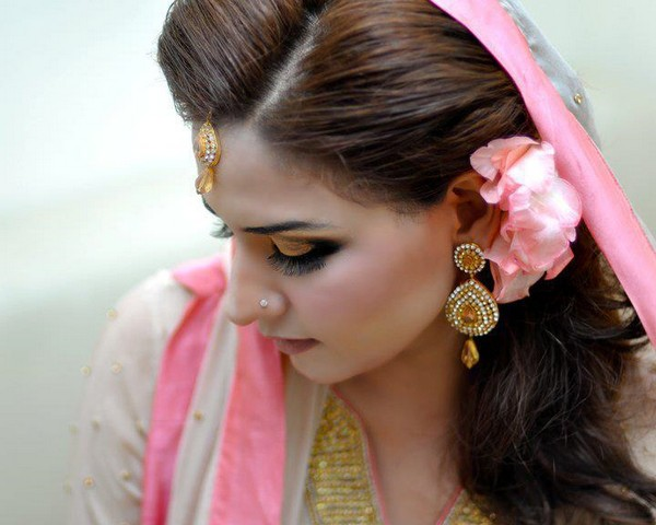 Latest Bridal Make Up With Jewelry ~ Fashion Point