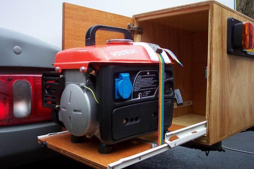 le camping car passe partout fabrication d 39 un coffre l 39 arri re du camping car. Black Bedroom Furniture Sets. Home Design Ideas