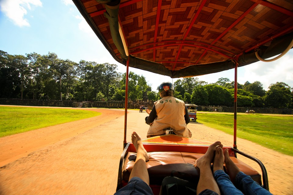 tuktuk ride to angkor wat