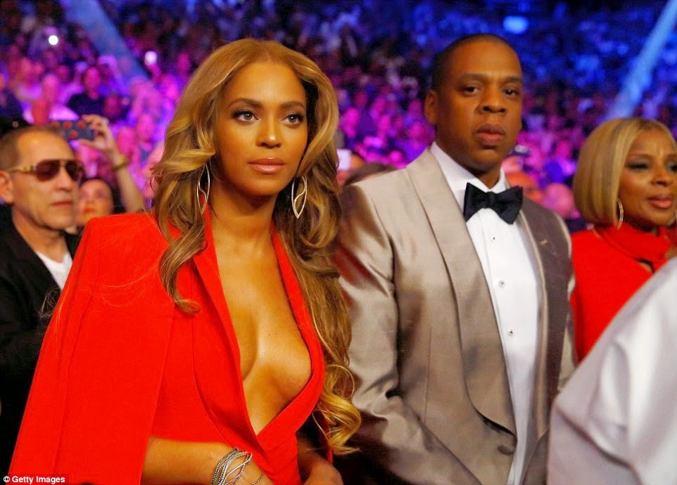 beyonce and Jay z at the MGM Las Vegas watching fight of the century