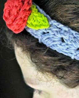 http://mymerrymessylife.com/2012/05/crochet-cluster-v-stitch-headband-free-crochet-pattern.html