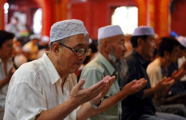 Bolehkah Berdoa Bersama Usai Salat Berjamaah?