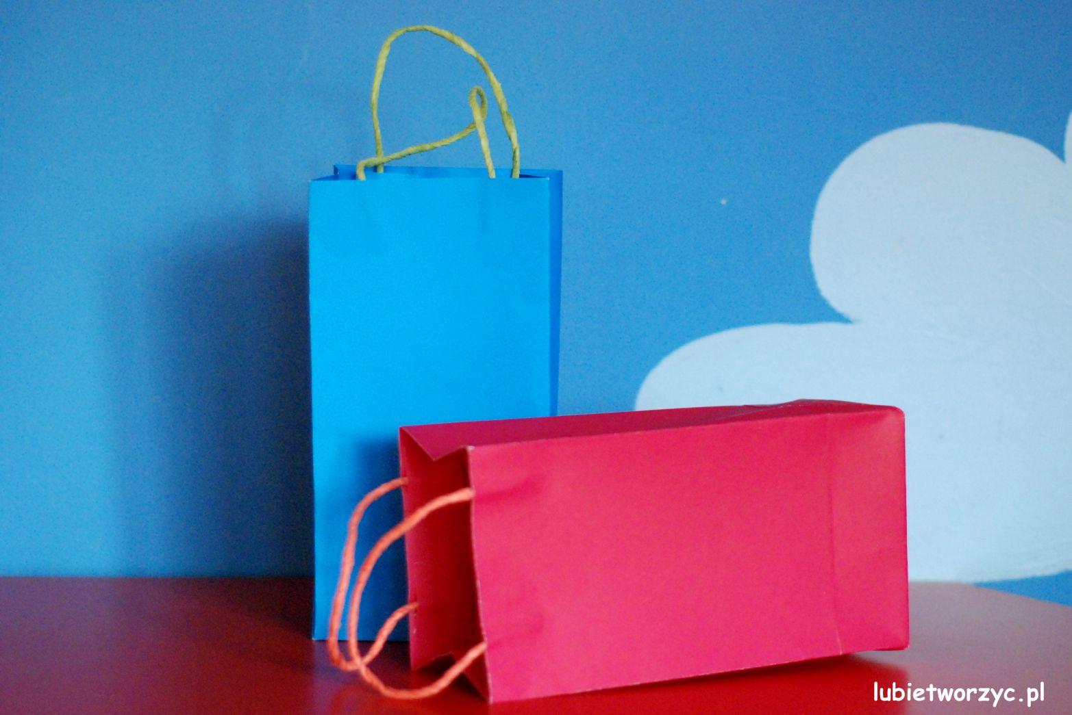 81bc05225d667 Jak zrobić papierową torbę prezentową - video   Handmade   zBLOGowani