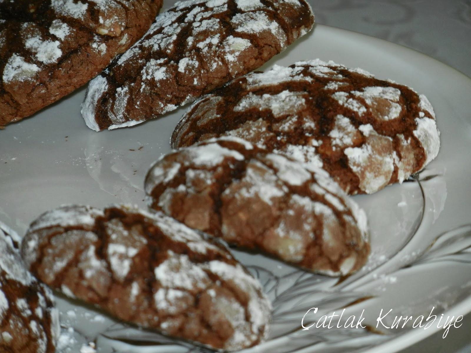 Yoğun Çikolatalı Çatlak Kurabiye Tarif Dergisi Yemek Tarifleri