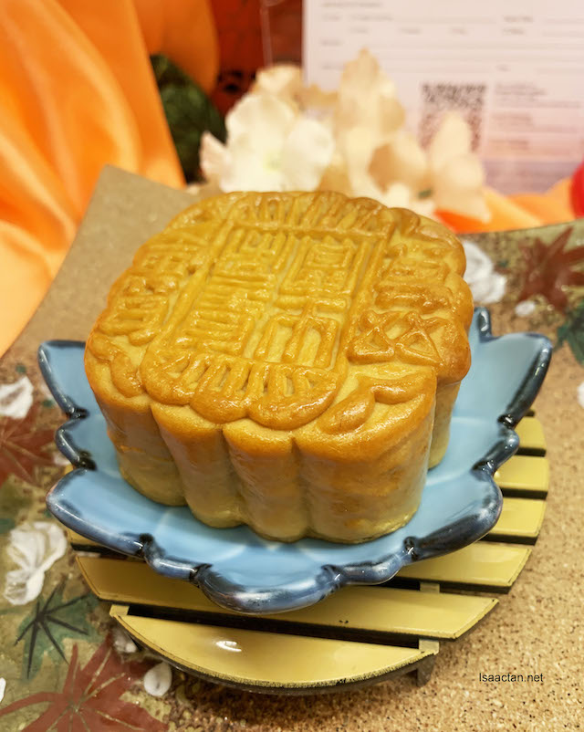 Baked Mooncakes which comes in various flavours