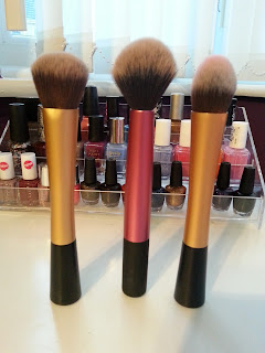makeup brushes for beginnings